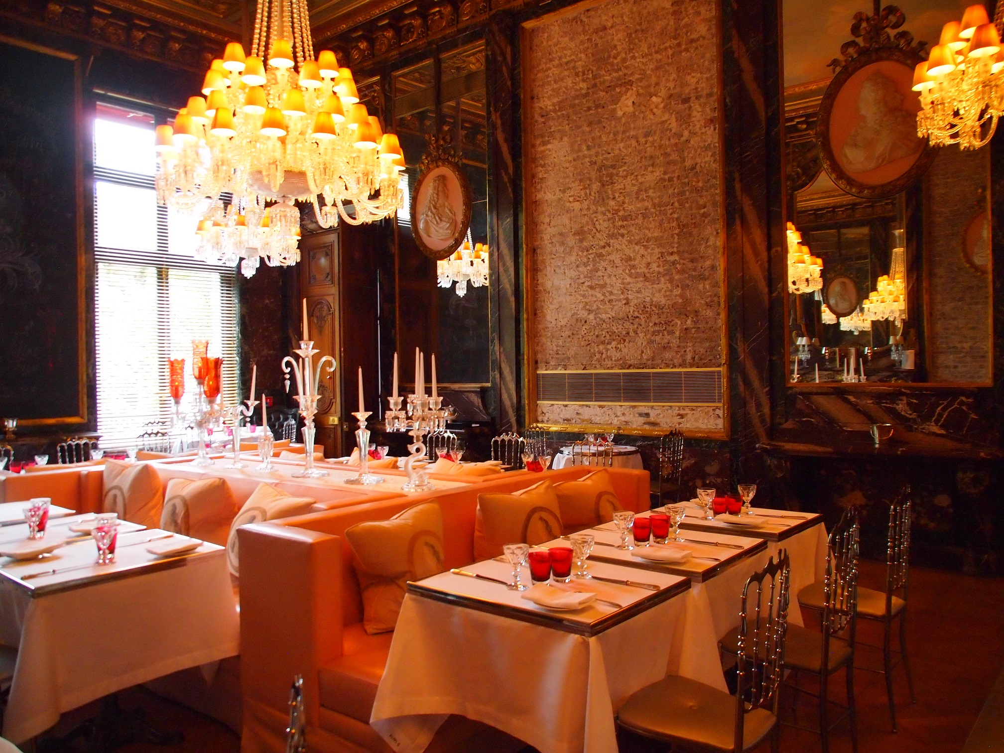 Dining at the cristal room baccarat museum in paris for Most beautiful dining rooms in paris